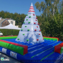 Le Mur d'escalade - pyramide-  gonflable - occasion