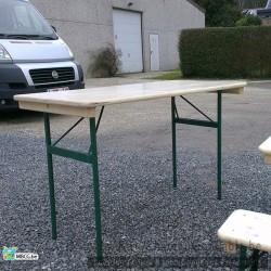 Location de table en bois 120 cm / 4 personnes